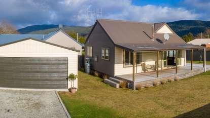 52 Hunter Place, Manapouri
