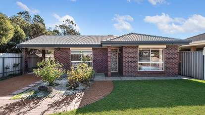 8 Clearwater Crescent, Seaford Rise