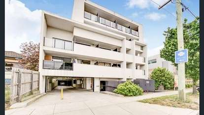 217/484 Elgar Road, Box Hill