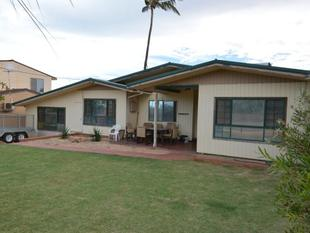 Relax By The Pool - East Carnarvon
