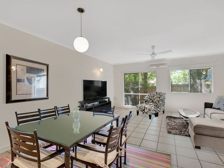 2/1 Hollett Close, Manunda, QLD