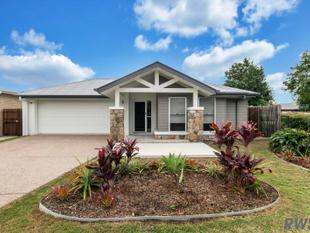 QUALITY EX-DISPLAY HOME IN GAINSBOROUGH GREENS - Pimpama