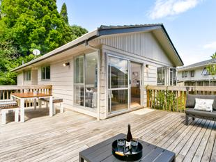 SOLD BY LIZ & ANDY - Glenfield