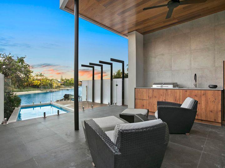 Villa 1/38 Merrimac Boulevard, Broadbeach Waters, QLD