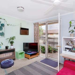 Thumbnail of 5 Ashwood Close, Gladstone Park, VIC 3043