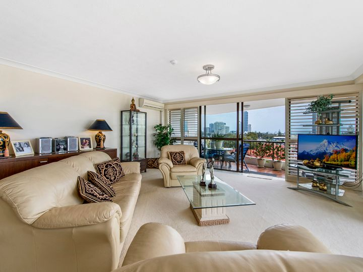 20 Commodore Drive, Surfers Paradise, QLD