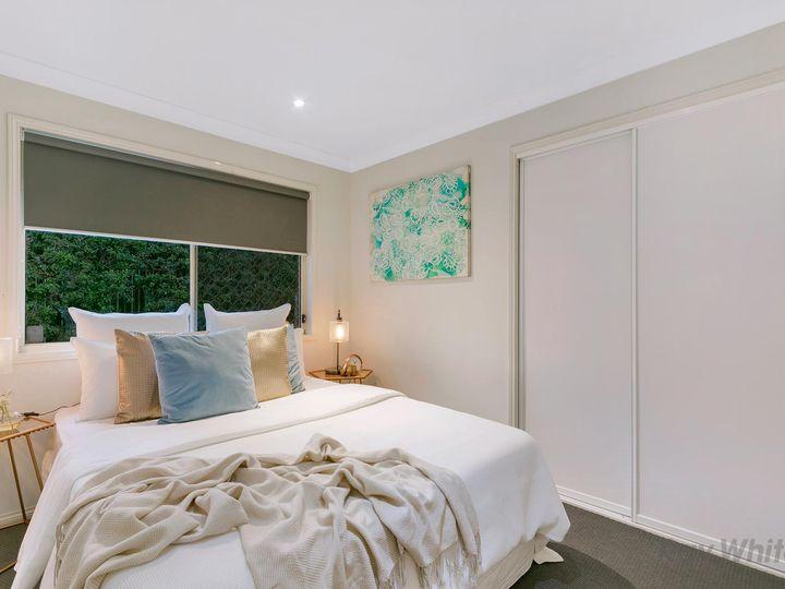 1 Stuart Place, Eight Mile Plains, QLD