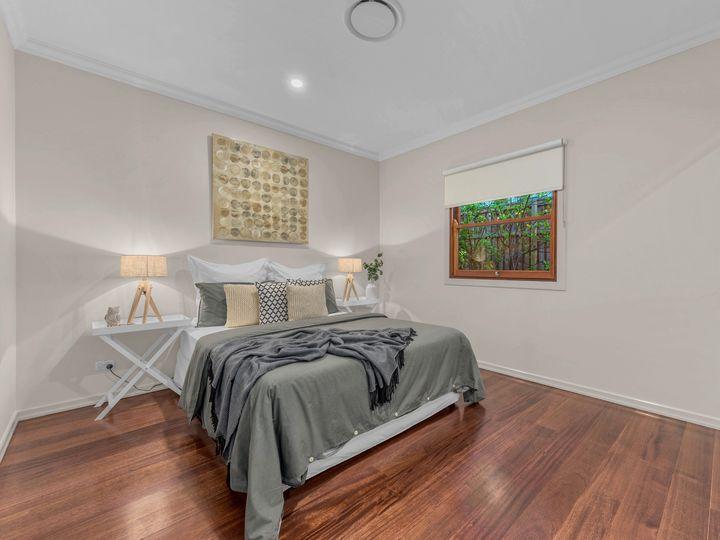 52 Herbert Street, Camp Hill, QLD