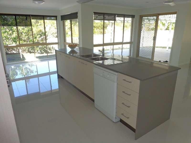 4 Wesley Place, Sinnamon Park, QLD 4073