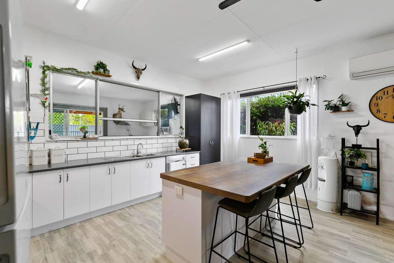 30 Newhaven Street, Pialba, QLD 4655