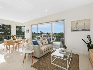 Outstanding Penthouse Apartment - Wynnum