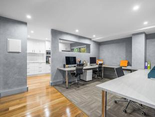 "A Truly ""Move In Tomorrow"" Office Finished To The Highest Quality - Spring Hill"