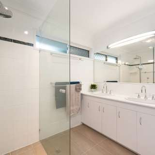 Thumbnail of 41 St Andrews Crescent, Carindale, QLD 4152