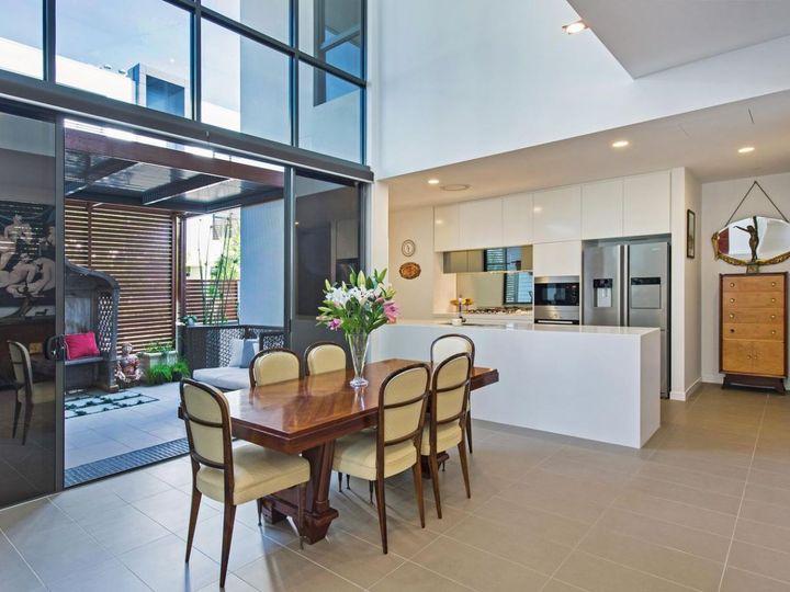 Villa 10 Salacia Drive, Paradise Point, QLD