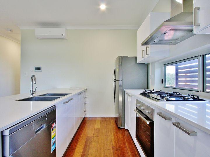 847 Logan Road, Holland Park West, QLD