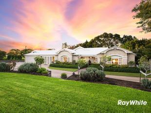 The Pinnacle of Acreage Living - Glenvale
