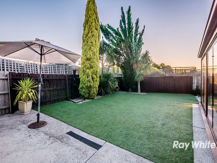 24 Elandra Way, Cranbourne West, VIC