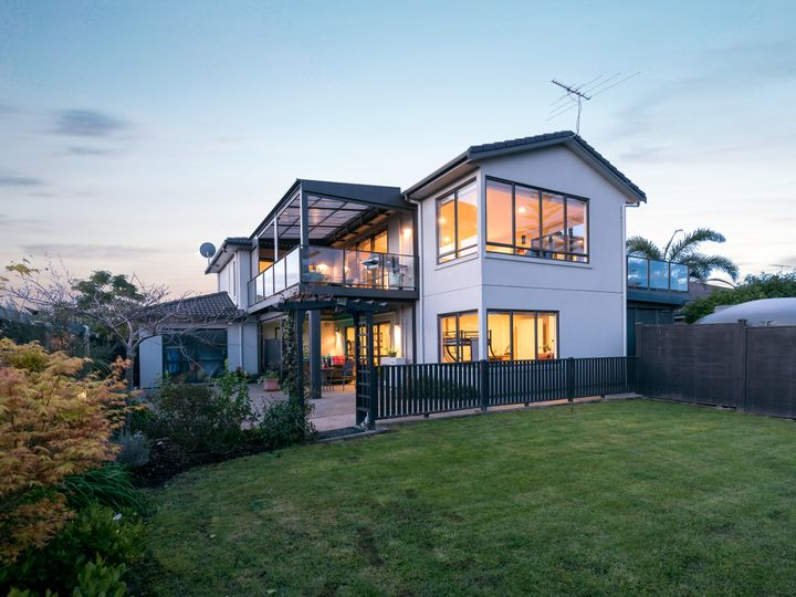 103 Pine Harbour Parade, Beachlands, Manukau City