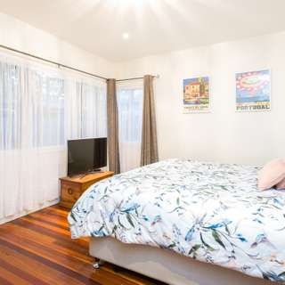 Thumbnail of 25 Canning Street, Holland Park, QLD 4121