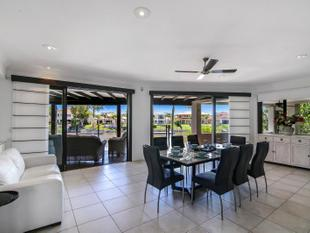 1033 Rosebank Way, Hope Island - Hope Island