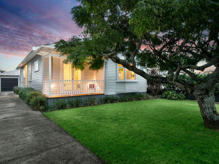16 Rhodes Avenue, Mount Albert, Auckland City