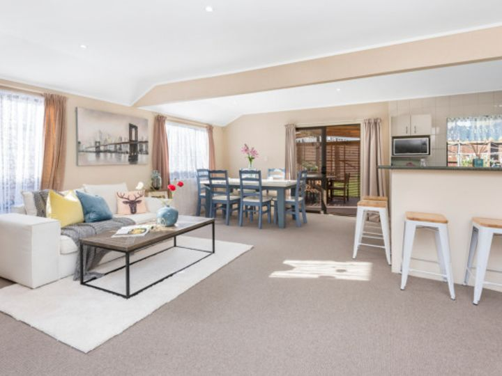 1/26B Eastridge Court, Northpark, Manukau City
